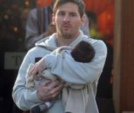 Lionel Messi with his son, Thiago