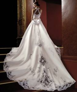 beautiful-wedding-dress-designer-wedding-dresses-570x759-e1374765827101