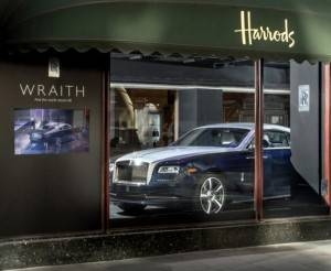 2014-rolls-royce-wraith-at-harrods-london_100426102_l-e1378828656721