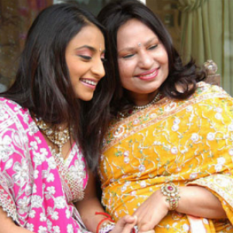 Vanisha Mittal with her loving mother