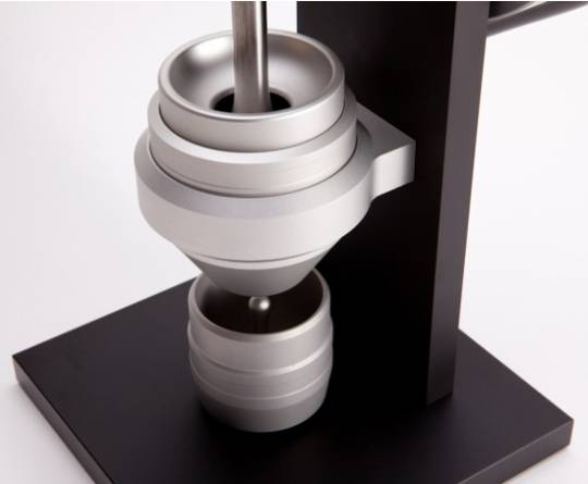 HG One coffee grinder doesn't use power to create brews