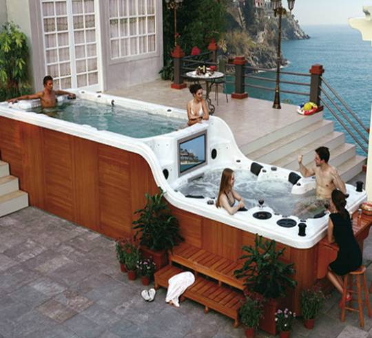 SPAambient's Luxema 8000 hot tub