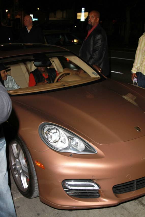 Porsche Panamara car - Color: Brown  // Description: classy