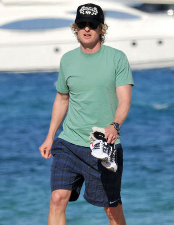 The brand's will woven shorts are ideal tennis court companion and Owen Wilson likes them to death