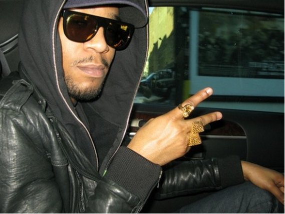 Super Flat Black 24k sunglasses compliment the dynamic personality of Kid Cudi perfectly