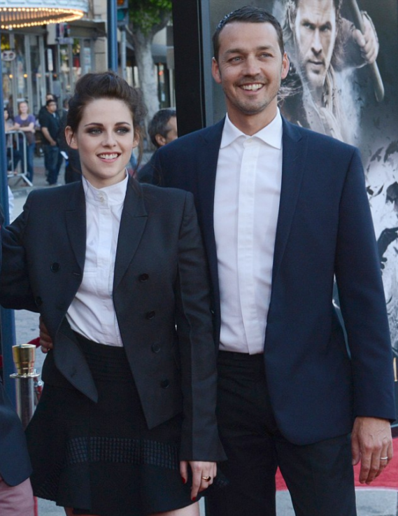 Kristen Stewart marries to a filmmaker double of her age, Rupert Sanders.