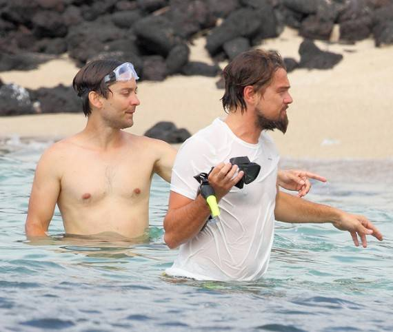 Tobey Maguire was seen holidaying and snorkeling in Hawaii with his childhood best friend, Leonardo Di Caprio.