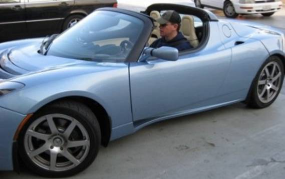 Matt Damon drives Tesla Roadster