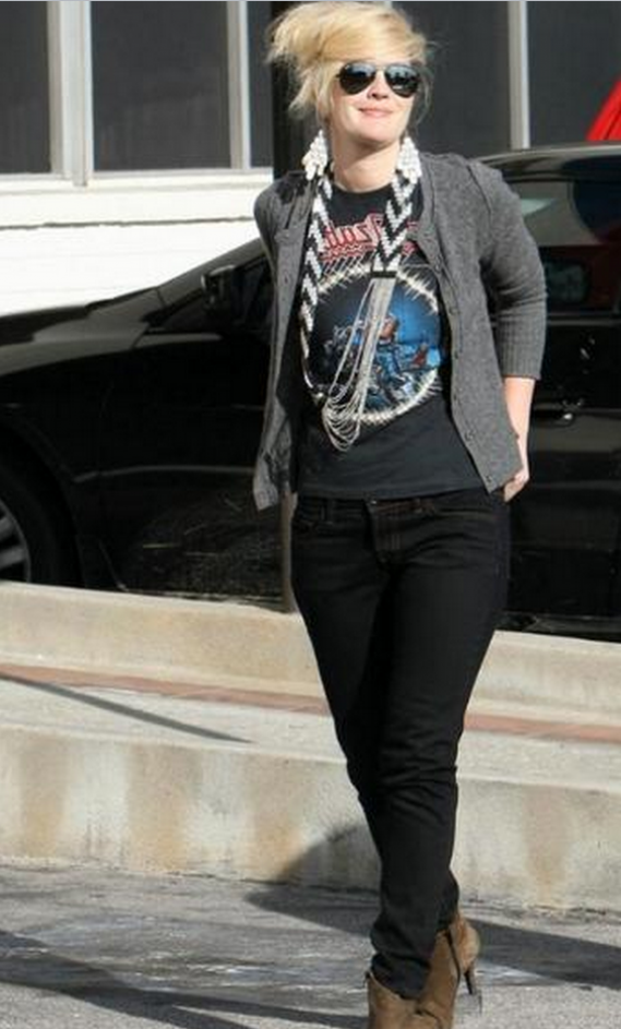 The actress was photographed donning the Skinny Jeans during a shopping trip.