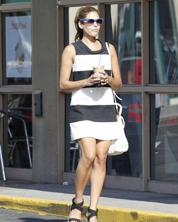 Mendes was photographed donning the fashionable striped dress on the streets of LA.