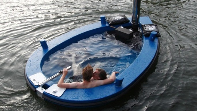 The $21,000 Hot Tug Hot tub boat gives new meaning to hot-tubbing