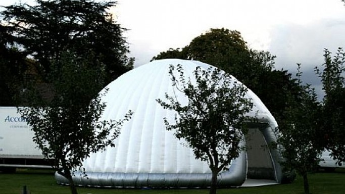 Luna cave/igloo from Inflate