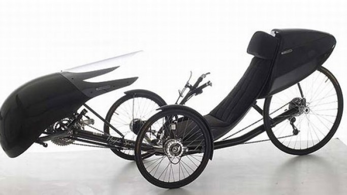 Windcheetah HyperSport carbon fiber recumbent trike