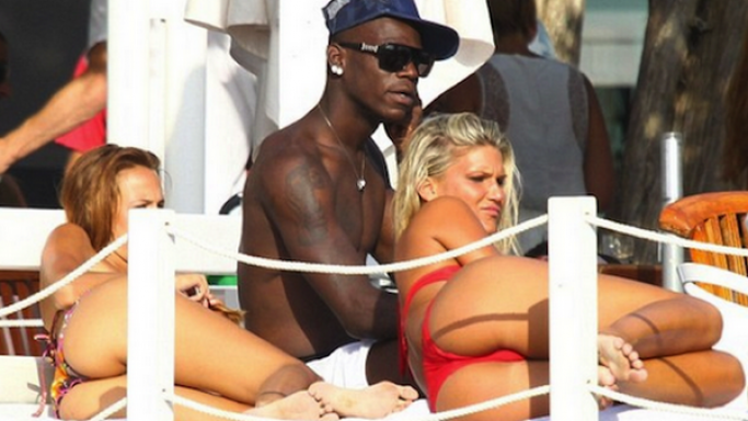 Italian soccer star Mario Balotelli was seen enjoying an exciting holiday vacation on the islands of Ibiza