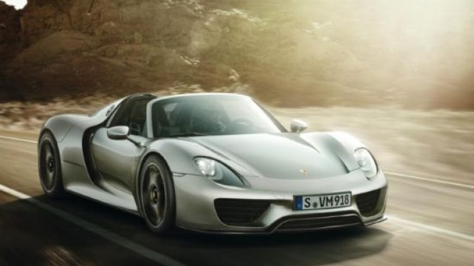 Porsche 918 Spyder offers optional 'Liquid' shade paint for $65,000