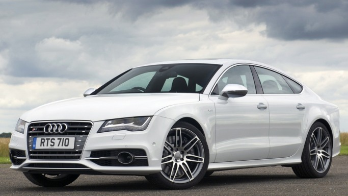 Audi S7 - Bornrich , Price , Features,Luxury factor, Engine, Review