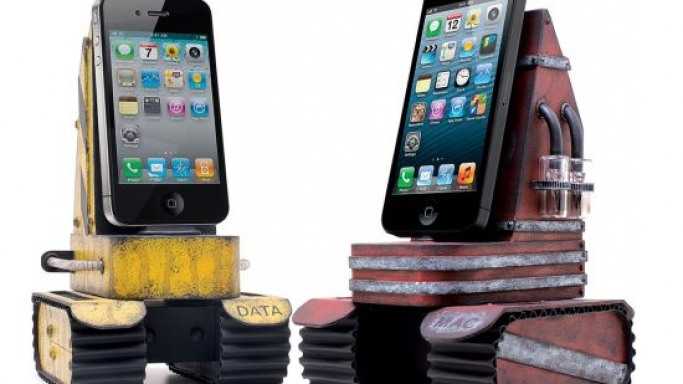 Custom iPhone Tank Chargers created by tech-toy designer PHU resembles robotic tanks