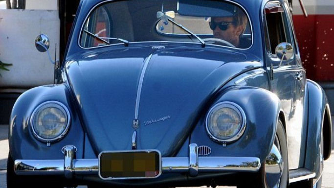 Ewan McGregor drives Mini cooper