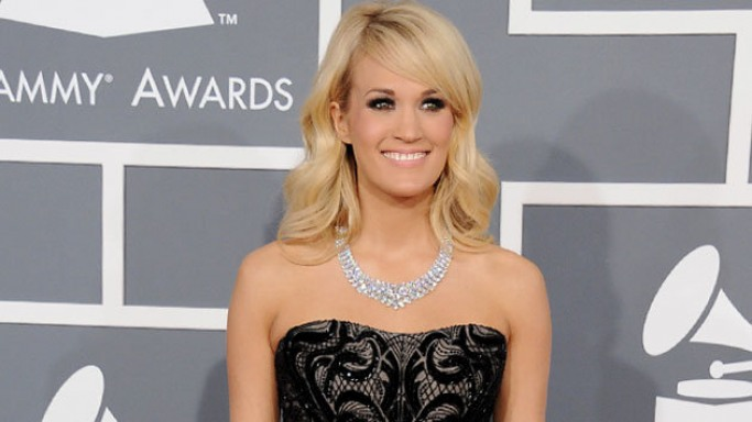 Carrie Underwood donned a 381 carat bling necklace costing around $31 million at Grammys 2013.