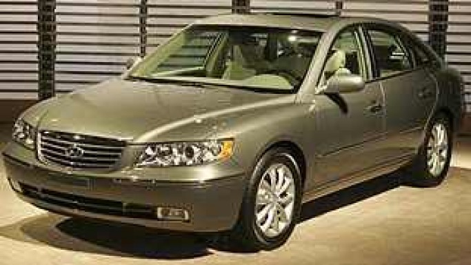 The new Hyundai Azera – Official Car of 2006 FIFA World Cup in Germany