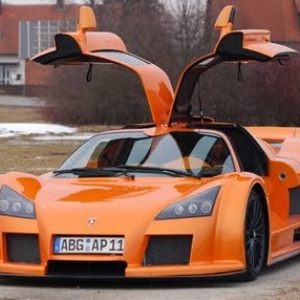 Gumpert Apollo Exterior